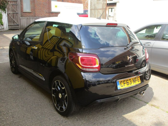 Citroen DS3 1.6 e-HDi Airdream DStyle Plus 3dr Bluetooth Alloys FSH Hatchback Diesel Metallic Black/ White Roof